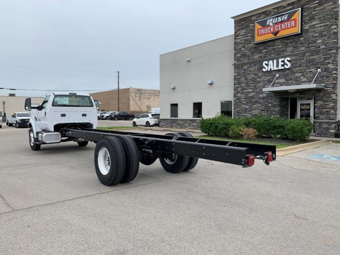 2021 Ford F-750 Regular Cab DRW 4x2, Cab Chassis #1149105 - photo 1